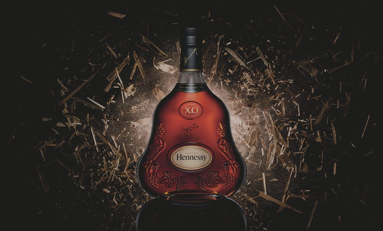 Tour in Cognac - the iconic bottle of Hennessy XO