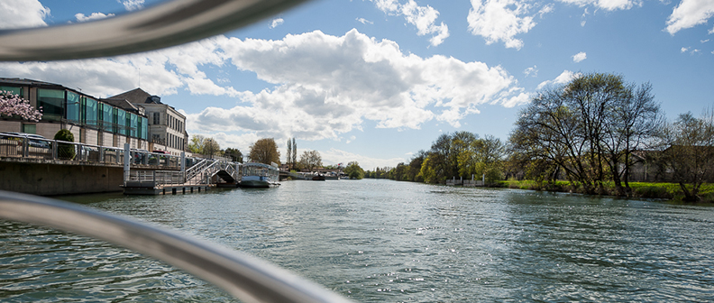 An exclusive boat trip across the Charente during the Hennessy Signature tour in Cognac, wine tourism